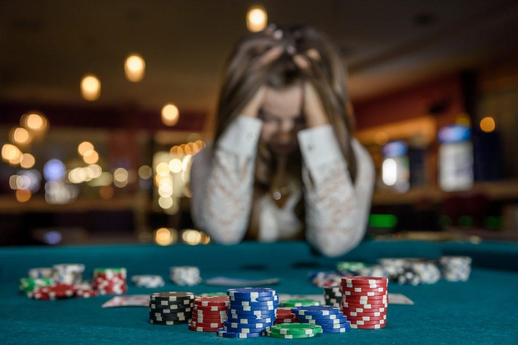 4 dalam 1 permainan kasino